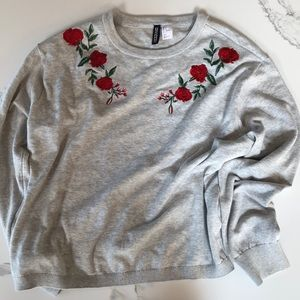 H&M Sweater in Gray